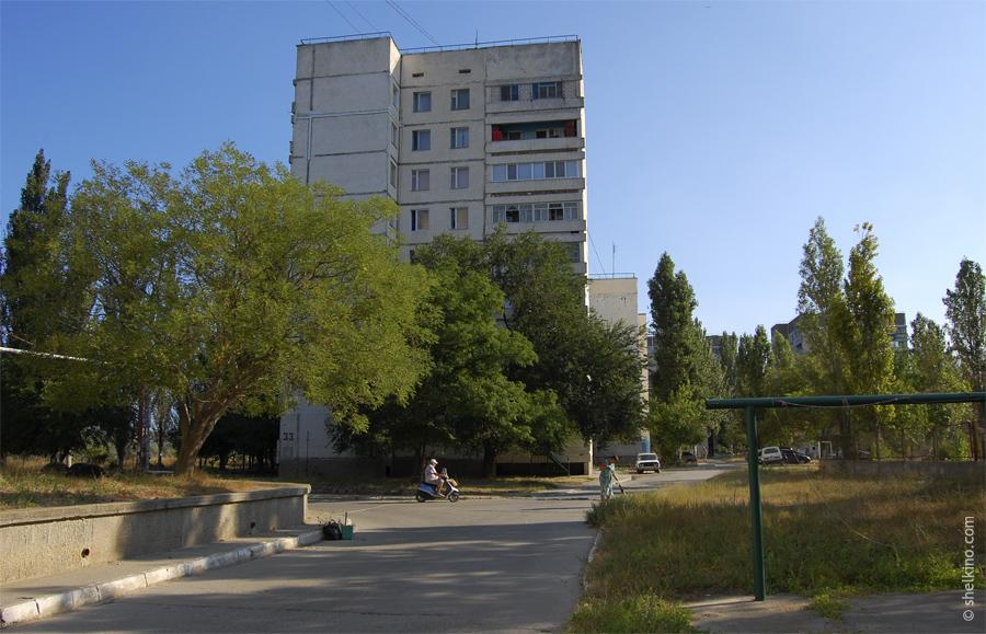 Щелкино, дом 33. Вид с юга, со стороны домов 31 и 29