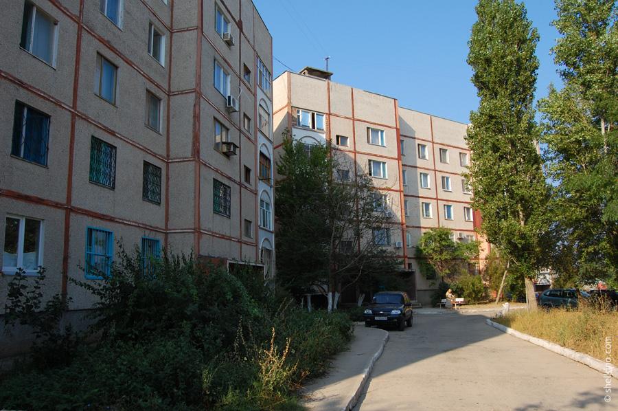 Щелкино, дом 48. Вид со двора, с востока, от дома 101/1.