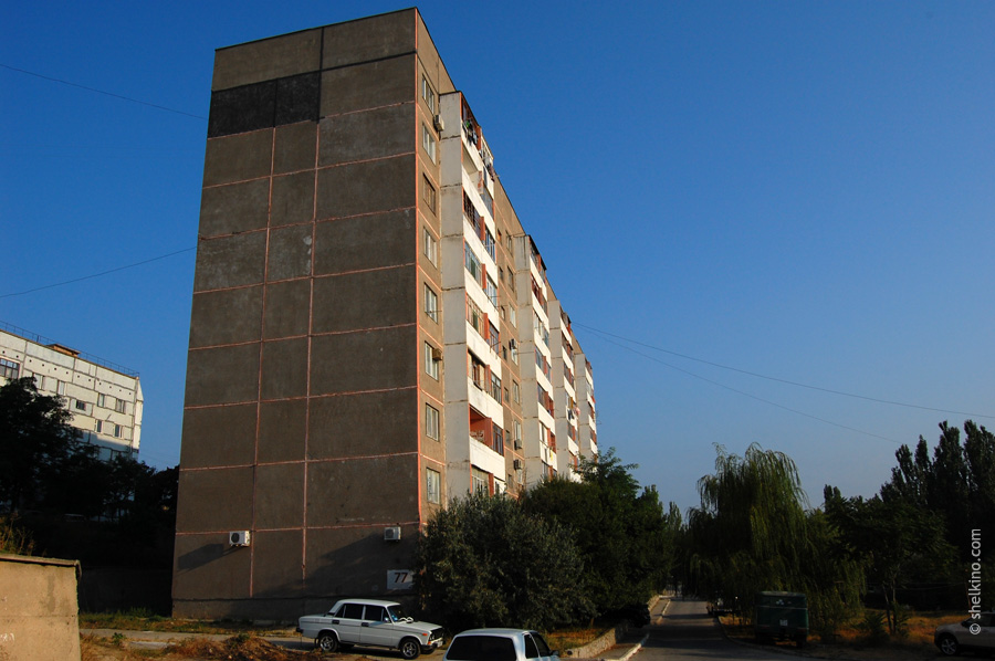 Щелкино, дом 77. Вид с юга, со стороны Донецкой улицы.